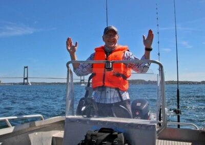 Zielfischgröße einfach mal vorgeben: Bootsangeln macht Spaß!